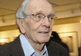 É enterrado em São Paulo o corpo do jornalista Alberto Dines