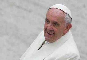 Papa Francisco faz pronunciamento para Praça de São Pedro vazia