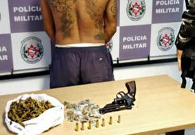 Homem é preso com arma escondida dentro de banheiro, na Zona Sul de João Pessoa