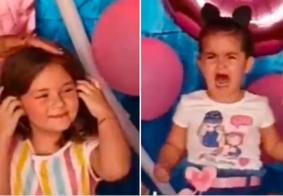 """A gente se desentende, mas se acerta"", diz Maria Antônia menina que teve cabelo puxado"