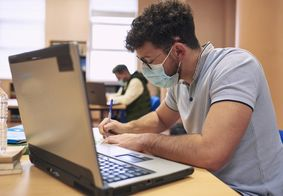 Diversos cursos gratuitos são disponibilizados pela Universidade de Harvard