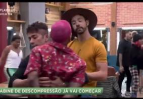 A Fazenda   Rico ameaça expor suposta agressão de Dynho ao vivo