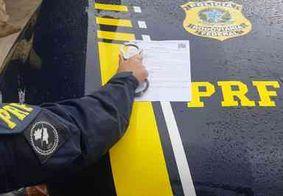 Foragido da Justiça por estelionato é preso pela PRF