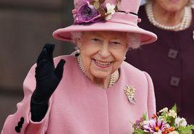 Rainha Elizabeth II passa a noite em hospital