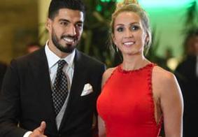 Renovação de votos de Suárez com esposa tem presença de Neymar e Messi