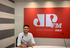 Jovem Pan: Daniel Lustosa assume bancada do 'Jornal da Manhã' ao lado de Cláudia Carvalho