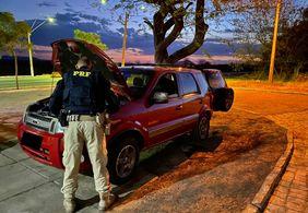 PRF prende suspeito de receptar carro roubado