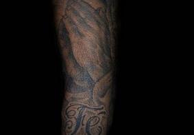 Naymar publicou uma foto da tatuagem que tem