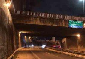 Homem é socorrido com fraturas após cair de viaduto em João Pessoa