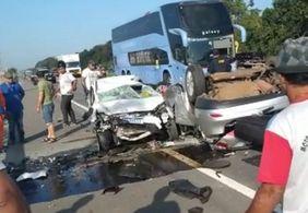 Motorista morre e cinco pessoas ficam feridas em acidente na BR-230
