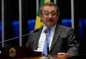 José Maranhão respira sem ajuda de aparelhos, diz novo boletim
