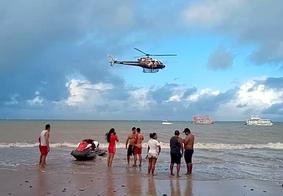 Afogamento mobiliza helicóptero e Corpo de Bombeiros na praia do Seixas, em João Pessoa