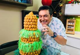 Loja cria Árvore de Natal de coxinhas e faz sucesso na web