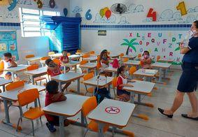Estudantes de 1º e 2º anos retomam aulas presenciais em João Pessoa