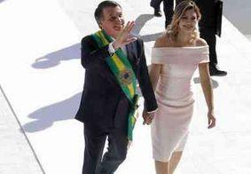 Bolsonaro visita Michelle no hospital após cirurgia no abdômen e troca de silicone