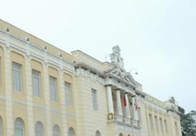 Justiça concede liberdade a adolescentes suspeitos de estupro em colégio de João Pessoa