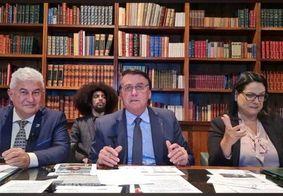 """""""Caguei para CPI"""", exclama Bolsonaro ao dizer que não vai falar sobre denúncias"""