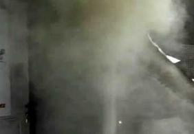 Idosa fica ferida após casa pegar fogo em Campina Grande