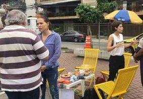 Atrizes conversam com eleitores indecisos nas ruas do Rio de Janeiro