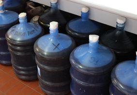 Alunos da PB transformam 2 mil litros de bebidas apreendidas em álcool gel