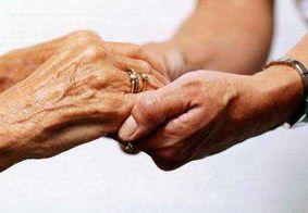 Vídeo: Psicóloga alerta para a exclusão digital e o isolamento de pessoas idosas