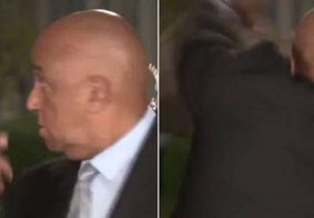 """Vídeo: repórter da CNN """"luta"""" com guaxinim antes de entrada ao vivo"""