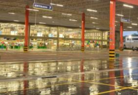 Fiscalização interdita supermercado em João Pessoa por estar aberto após 21h