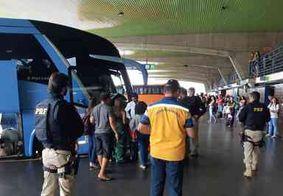 PRF faz ação educativa e fiscalização em veículos de transporte coletivo na Paraíba