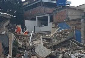 Prédio desaba no Rio de Janeiro deixando um morto e três feridos