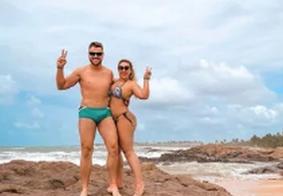 """Zé Neto usa sunga e fãs se chocam com volume: """"Plantou uma mandioca"""""""