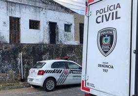 Polícia investiga morte de homem encontrado em vila de João Pessoa