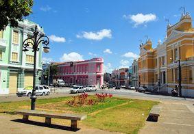 Praça Antenor Navarro, no bairro Varadouro.