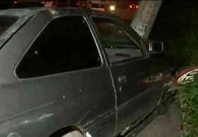 Colisão entre carro e poste deixa dois feridos na Zona Sul de João Pessoa