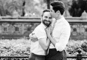 Ator de 'Gossip Girl' se casa com noivo em cerimônia nos EUA