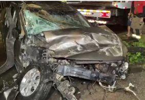 Motorista fica ferido ao capotar veículo em João Pessoa