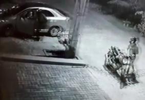 Câmeras flagram roubo de carro em João Pessoa