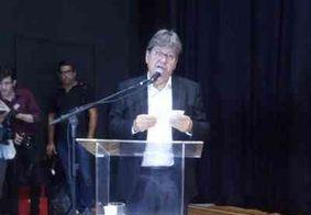 João Azevêdo anuncia fusão de órgãos públicos e economia de até R$ 26 milhões