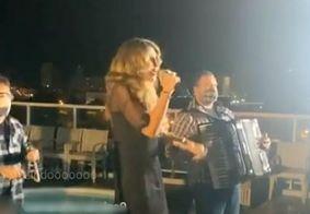 Elba Ramalho surpreende nas redes sociais e canta para anunciar São João