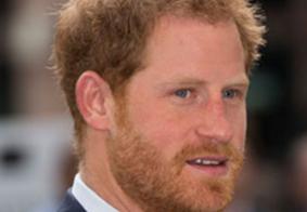 Amigo de Harry acredita que príncipe se afastou da realeza para proteger Meghan e filho do casal