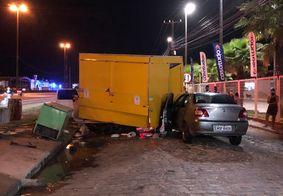 Motorista morre após colidir veículo em trailer próximo a BR-230