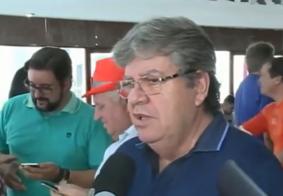 João Azevedo diz apoiar decisão de Ricardo: 'Não tem apego ao poder'