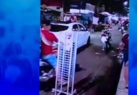 Vídeo: Mulher pega o marido com outra e tem um ataque de fúria