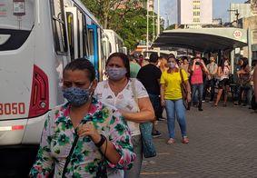 João Pessoa registra grande movimentação de pessoas em pontos de ônibus
