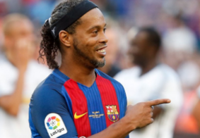 Barcelona se posiciona sobre apoio de Ronaldinho a Bolsonaro; confira