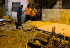 Queda de marquise deixa pessoas soterradas, em Salvador