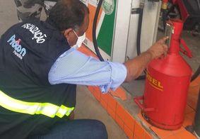 Funcionário de posto é preso por tentar fraudar bomba de combustível
