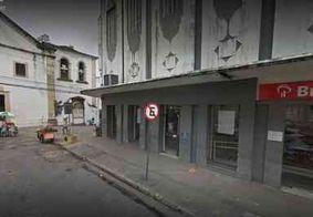Dupla invade agência bancária no Centro de João Pessoa e foge sem levar nada