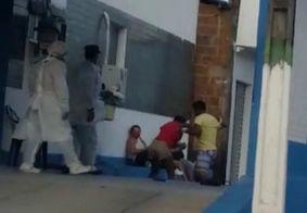 Vídeo: Grávida de 5 meses é agredida pelo esposo em frente a hospital, na PB