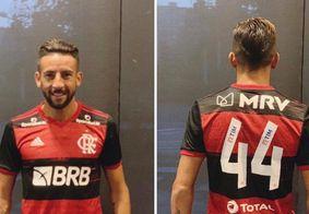 Flamengo anuncia contratação de Maurício Isla