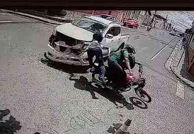 Acidente entre moto e caminhonete causa morte em Campina Grande; vídeos mostram